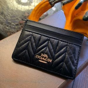 Authentic Coach Quilted leather card case🌺